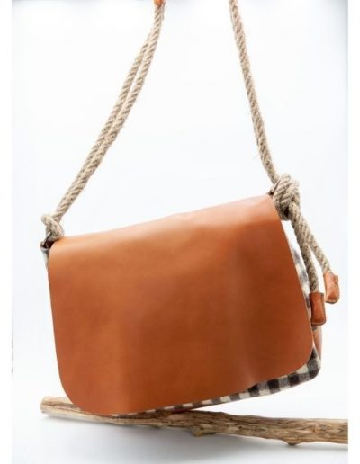 Sac à rabat cuir & laine|Made in France|Atelier Vaccares vs Dou Bochi
